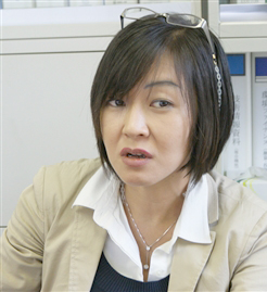 鈴木敦子 氏